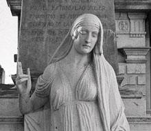 La Muerte, paseandose por el cementerio recoleta [Sculpture Multimedia]